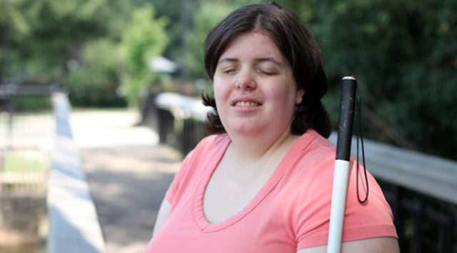 blind-woman-jewel