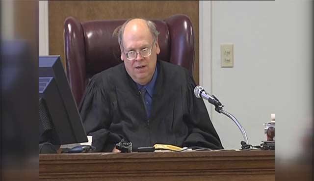 judge-640